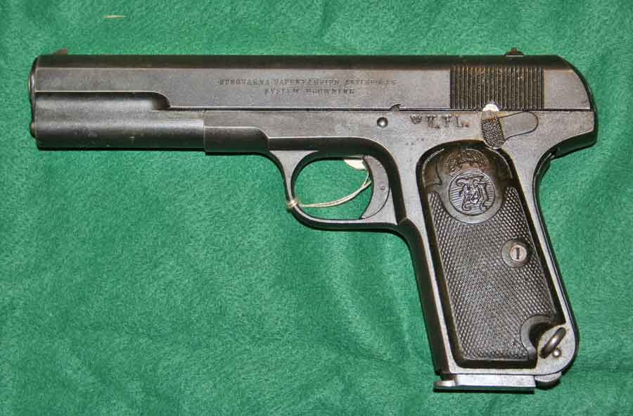 The Swedish pistol m/1907 or Browning M1903 i 9 mm Browning Long